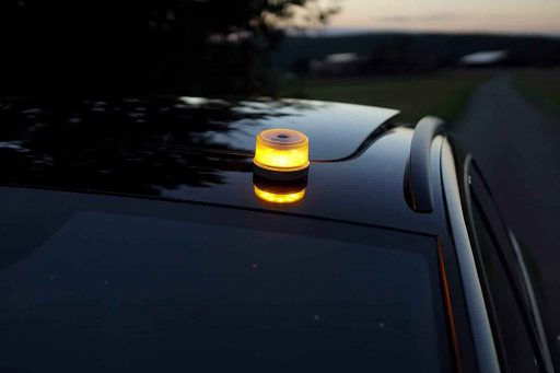 Luz de emergencia en coche